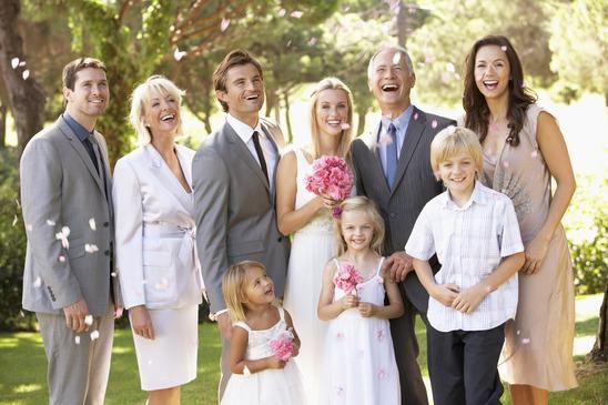 Jaką kreację powinna założyć na ślub Mama Państwa Młodych?