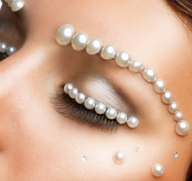 Femme fatale czy dama? – makijaż ślubny i jego zalety