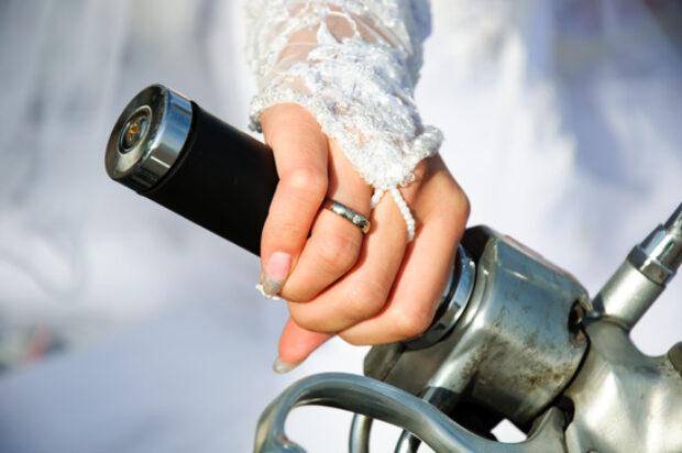 Eskorta motocyklowa na ślub, czyli jak swtorzyć efektowny orszak weselny