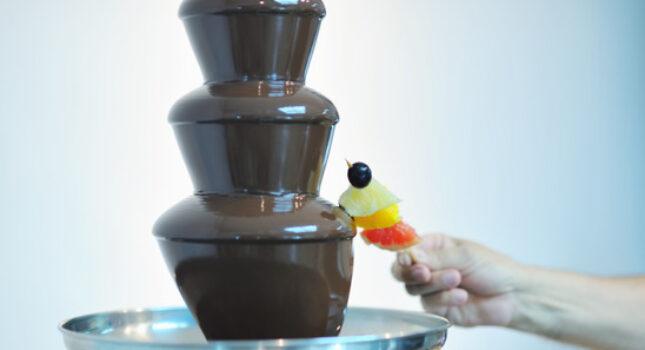 Fontanna czekoladowa - słodka atrakcja na wesele
