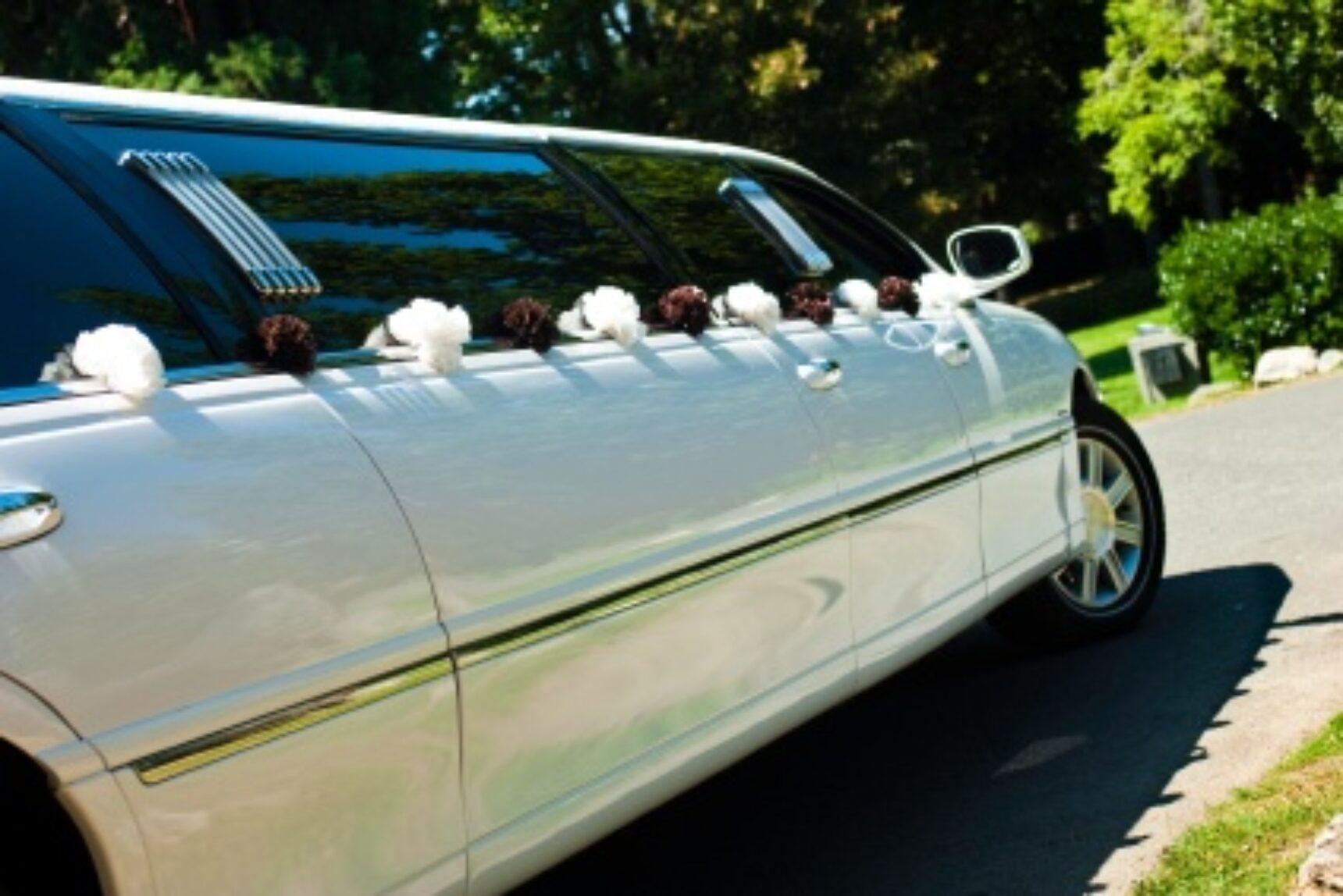 Dekoracja auta do ślubu – jak ją wybrać?