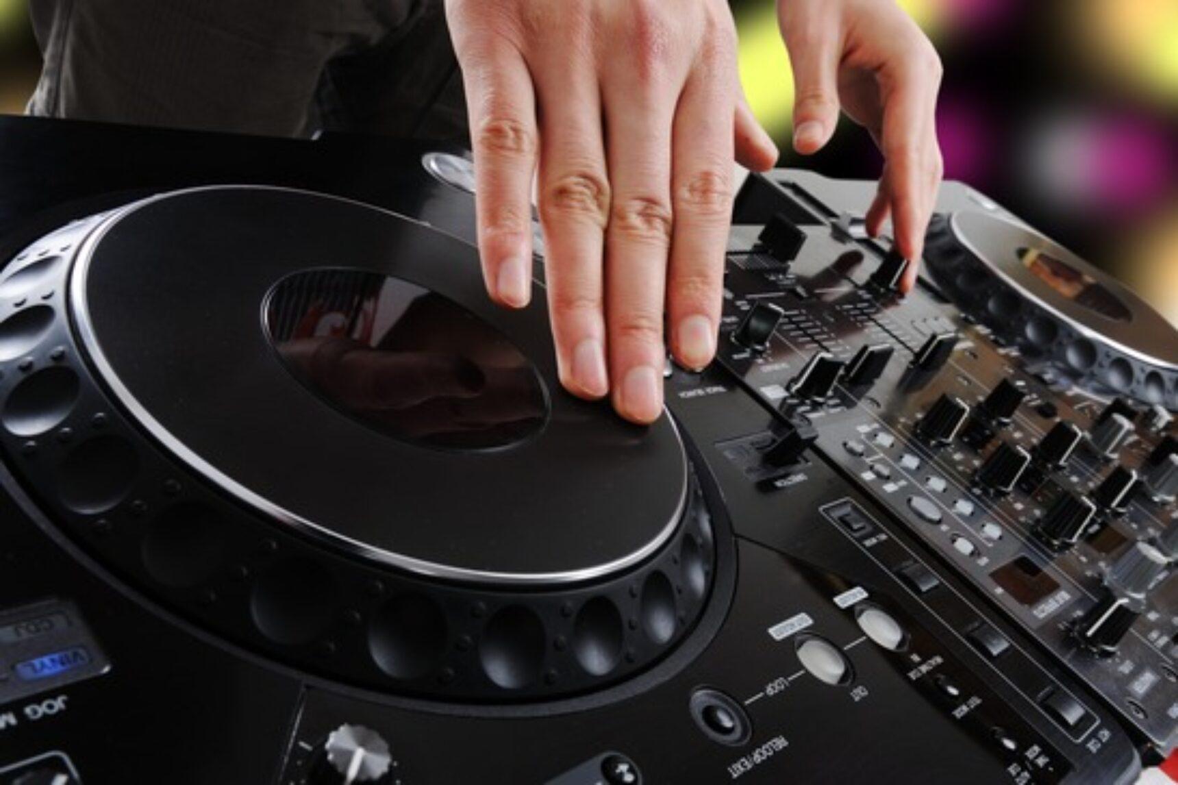 Weselne przeboje – zespół czy dj na wesele?