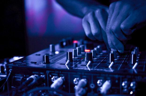 Umowa z DJem i wodzirejem na wesele