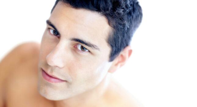 Makijaż ślubny Pana Młodego – konieczność czy wymysł?
