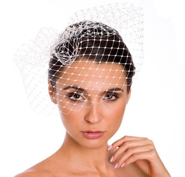 Woalka ślubna zamiast welonu – oryginalna ozdoba czy wymysł?