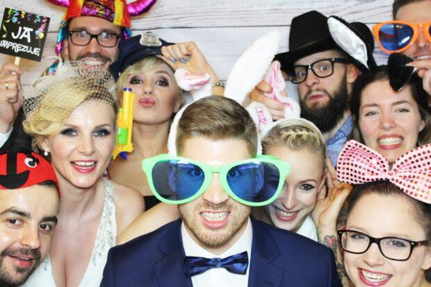 Fotobudka na wesele – najmodniejsza atrakcja weselna ostatnich lat