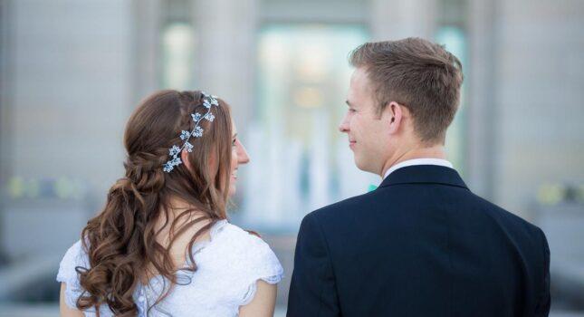 Oczepiny ze smakiem: najlepsze zabawy weselne