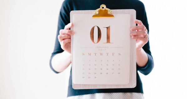 Kiedy zaręczyny? Sprawdź najpopularniejsze dni na oświadczyny