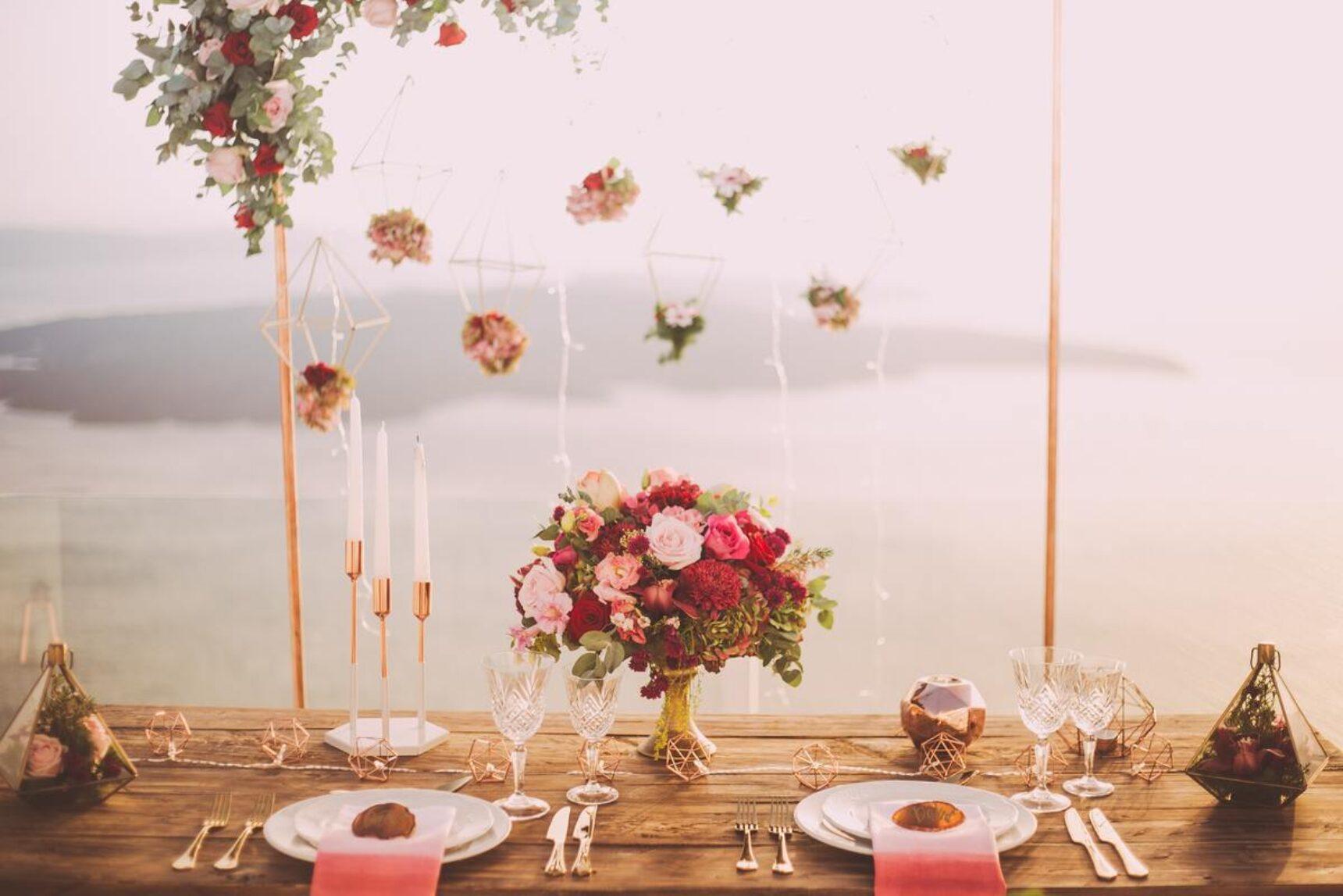 Wystrój sali weselnej – jak się do tego zabrać?
