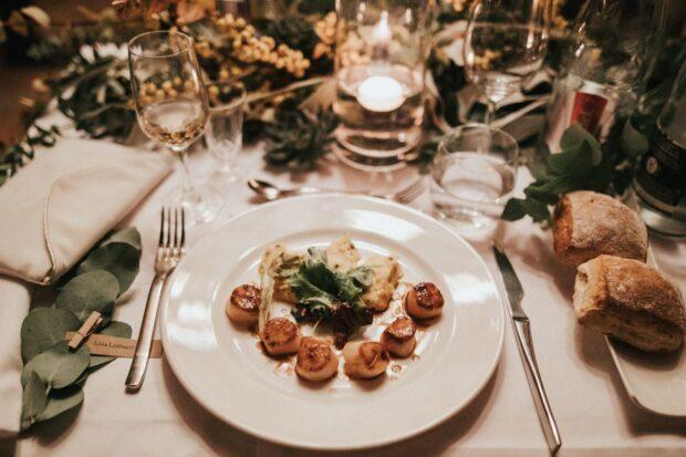 Zaplanuj idealne menu weselne! Czym się sugerować?