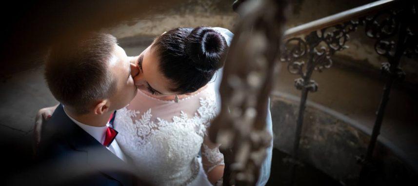 Teledysk ślubny czy film z wesela – którą pamiątkę wybrać?