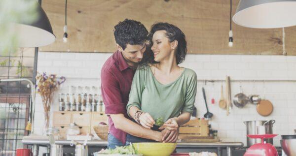 Gotowanie w małżeństwie - jak wspólnie cieszyć się obowiązkami?