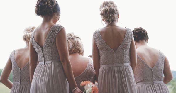 Ach, druhną być – sukienki dla druhen, które nie są obciachem!
