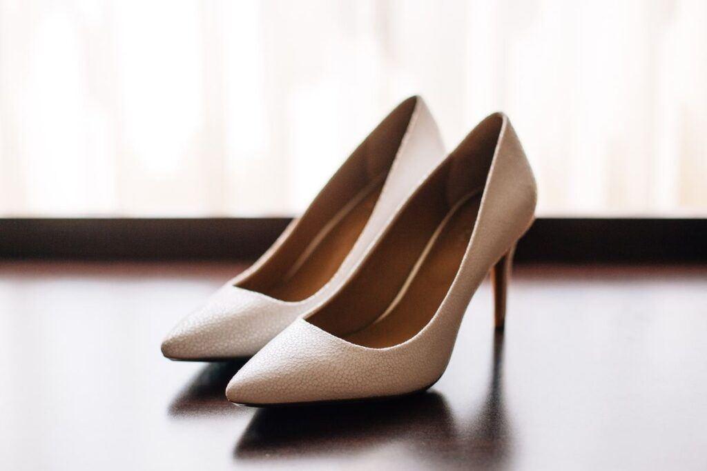 Buty ślubne – jakie wybrać, by przetańczyć w nich całą noc?