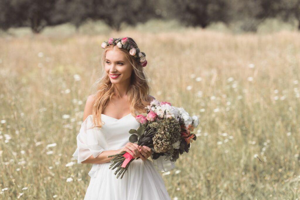 Wianek ślubny z polnych kwiatów