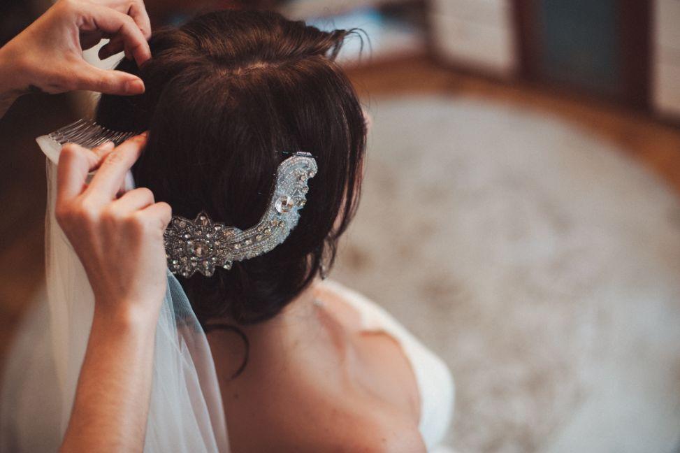 Jak założyć welon ślubny