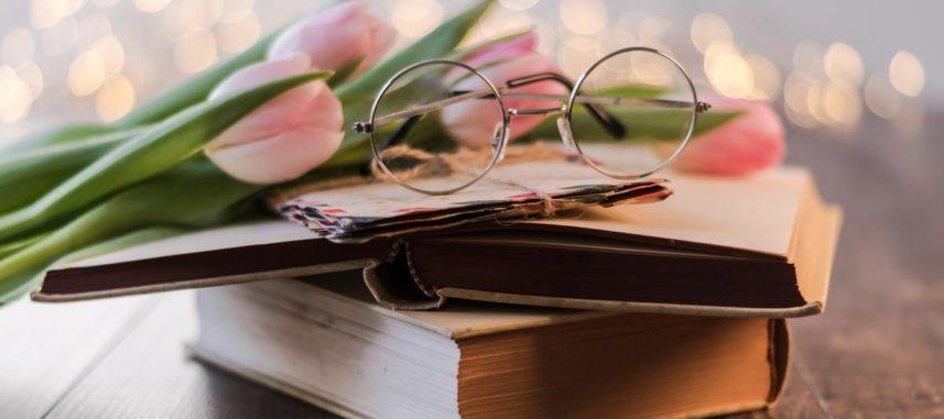 Podaruj książkę z piękną dedykacją ślubną – śmieszne i wzruszające propozycje dedykacji!