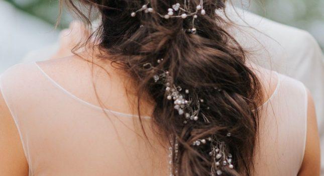 Warkocz na wesele – dziewczęca fryzura z klasą!
