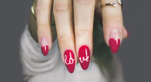 Pielęgnacja dłoni – najmodniejsze kształty paznokci!