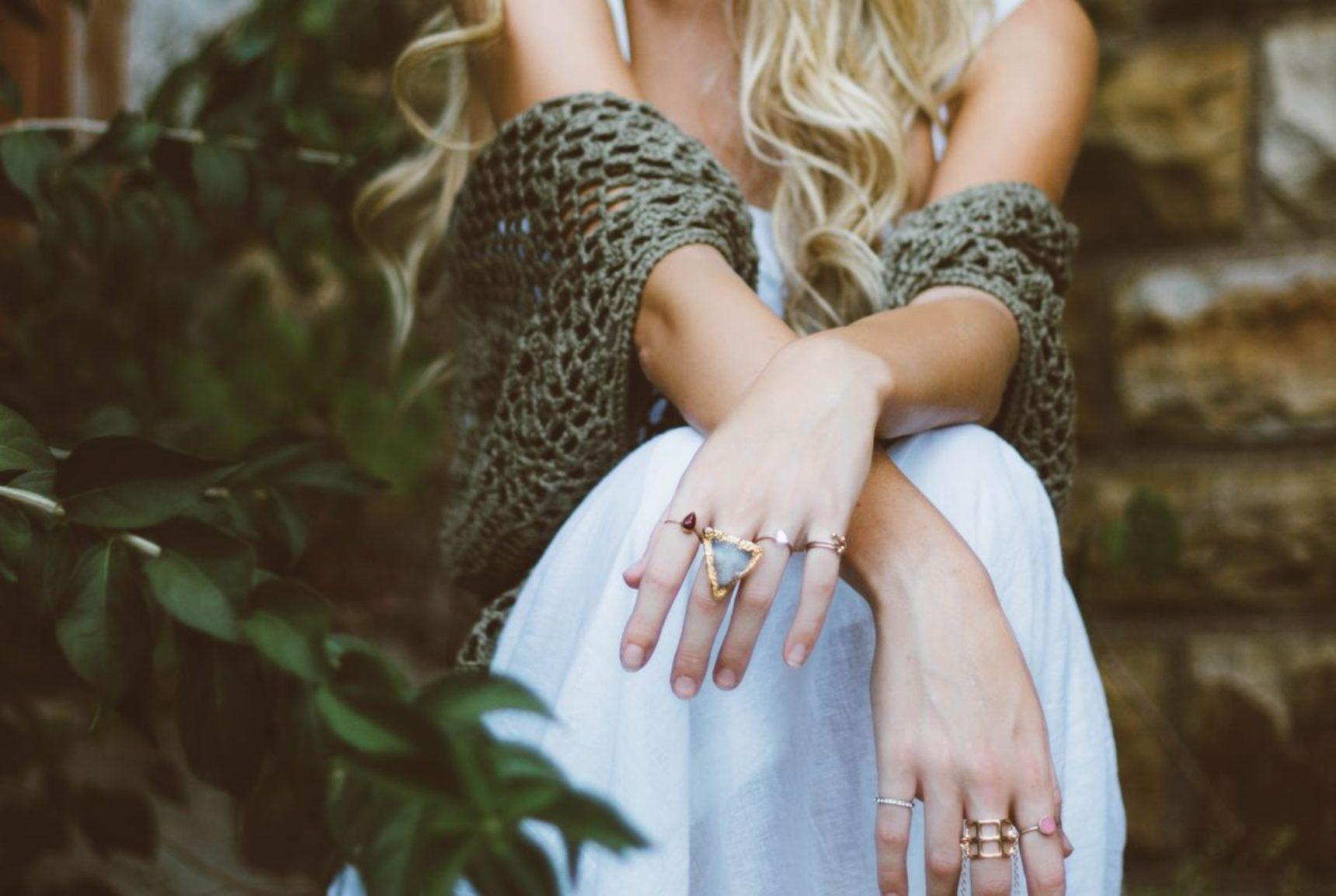 Modna biżuteria – dodaj klasy i blasku swojej stylizacji