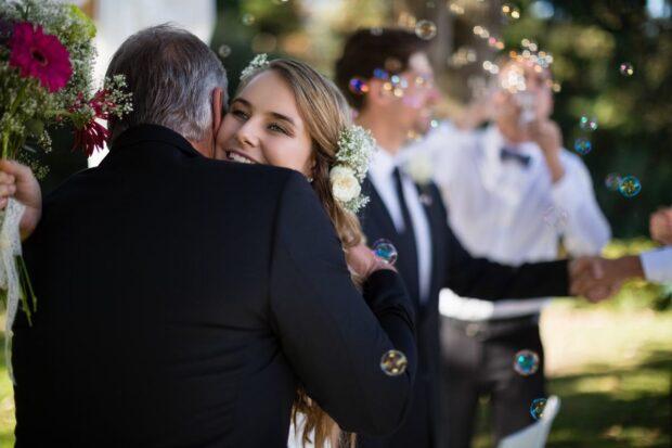 Wybierz idealny prezent na podziękowania dla rodziców na weselu!