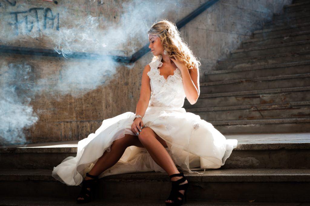 Panna młoda w suknie ślubnej - ceny w wypożyczalni