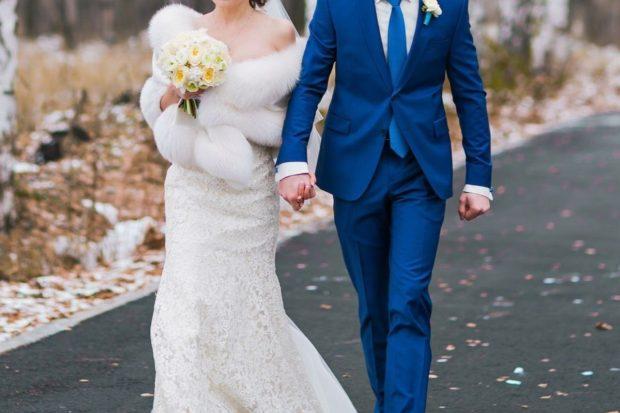 Etola ślubna jako alternatywa dla bolerka – do jakich sukien pasuje?