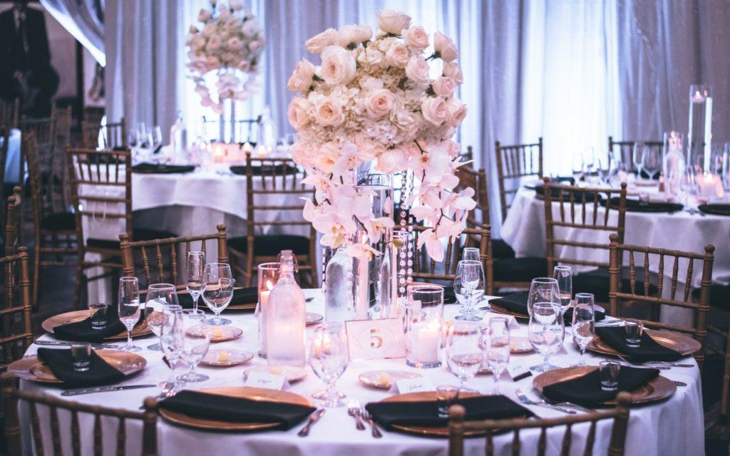 Korkowe - stół przygotowany na wesele