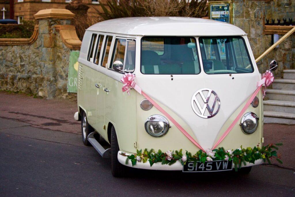 Przygotowania do ślubu - strojenie auta
