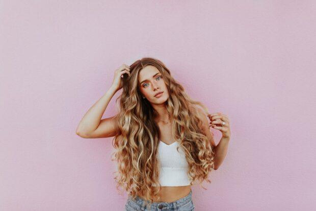Masz problem z wypadającymi włosami? Wypróbuj sprawdzone domowe sposoby!