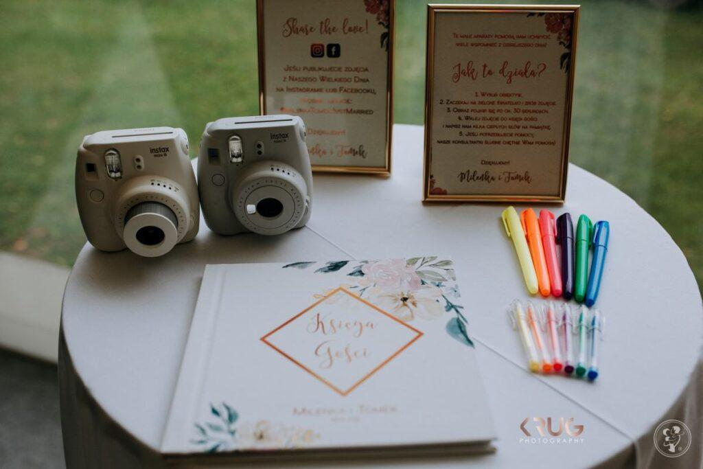 Długopisy przygotowana na wpis do księgi gości