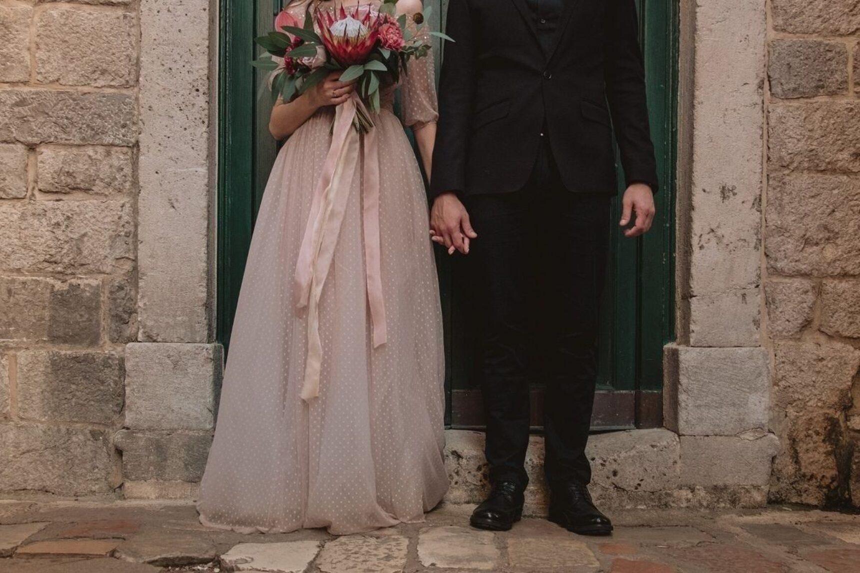 Zwiewna suknia ślubna – wybierz lekką i romantyczną stylizację na ślub