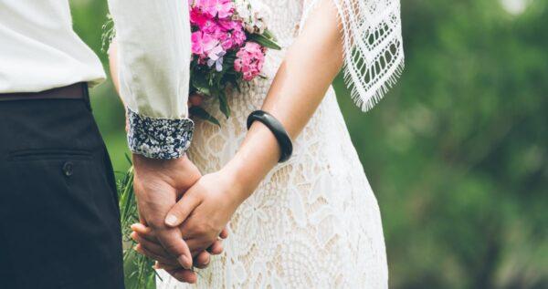 Jak powinno wyglądać typowe polskie wesele? To właśnie te tradycje świadczą o jego wyjątkowości!
