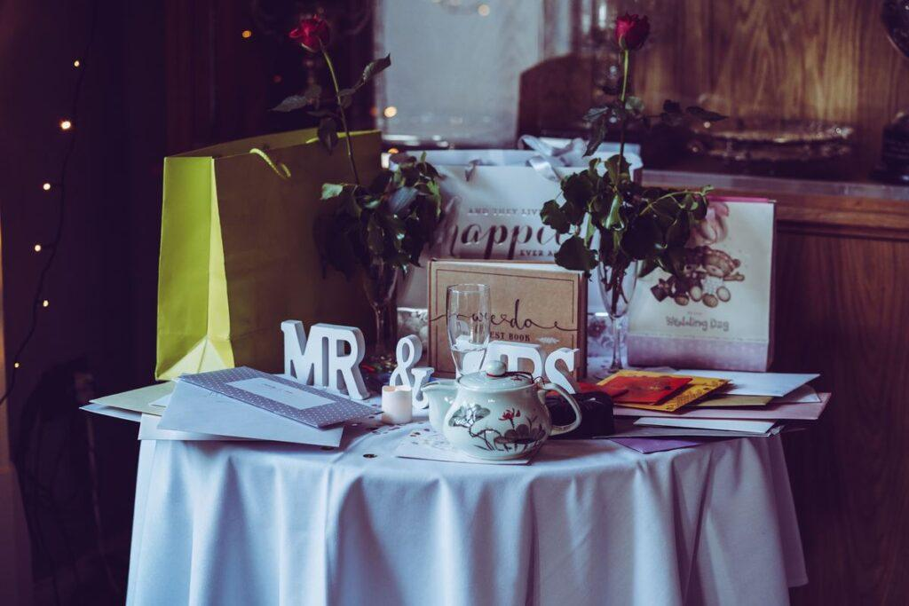 Oryginalny i zaskakujący pomysł na prezent ślubny – 12 ciekawych propozycji