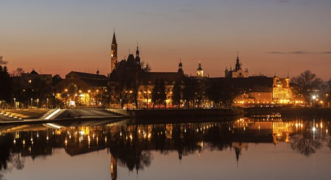 Romantyczne miejsca w Polsce na randkę i zaręczyny