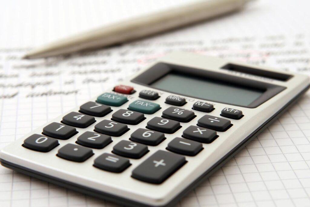 Kiedy należy zapłacić podatek od prezentów ślubnych? Sprawdź, czy masz taki obowiązek!