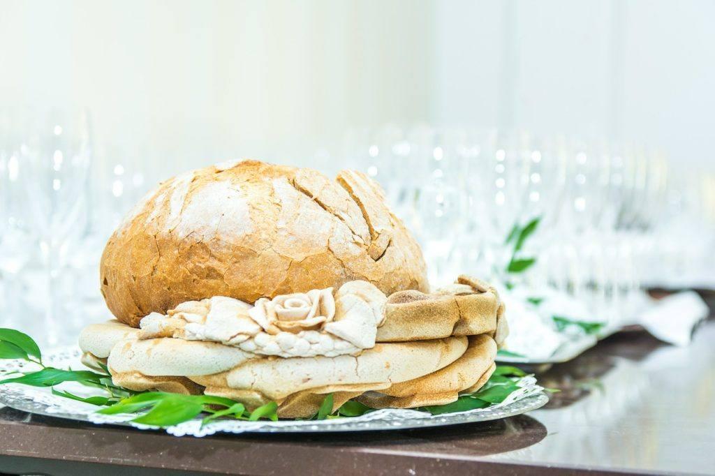 Chlebek do powitania młodej pary chlebem i solą