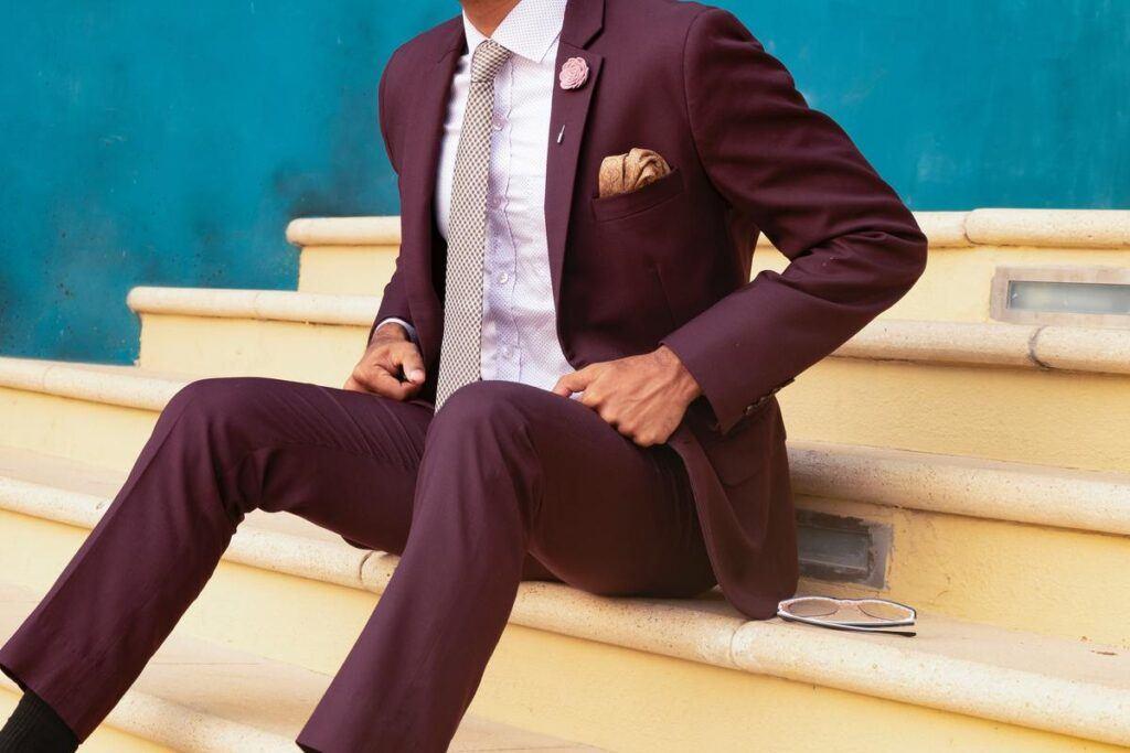 Jak sprawić, aby koszula do garnituru leżała idealnie? Praktyczne porady i triki