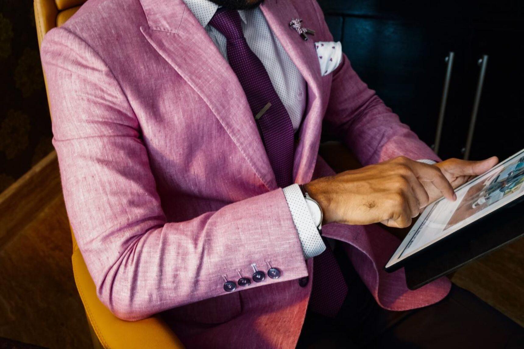 Jak mężczyzna powinien się ubrać na wesele, aby czuć się wygodnie i być na czasie?