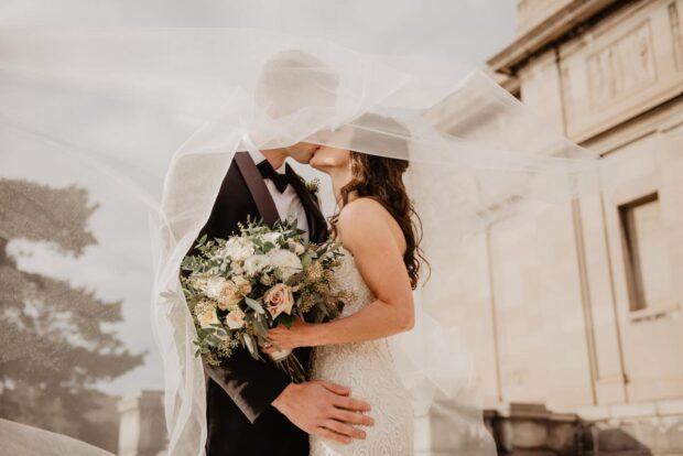 Kredyt na wesele sposobem na wymarzone przyjęcie? Czy warto się zadłużać?