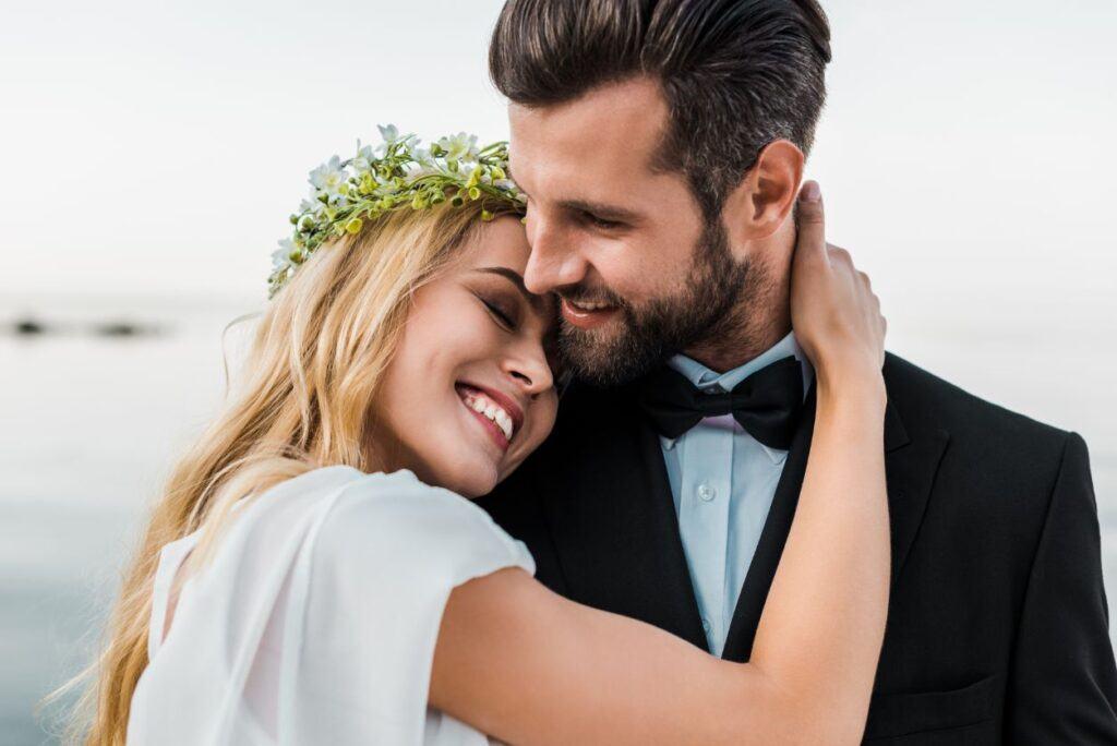 Ślub humanistyczny na plaży latem