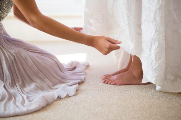 Szycie sukien ślubnych – co musisz wiedzieć, zanim zdecydujesz się na konkretną krawcową