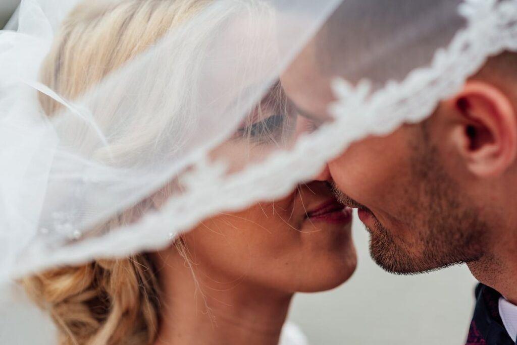 Jak zorganizować wesele międzynarodowe? Sprawdź praktyczne porady!