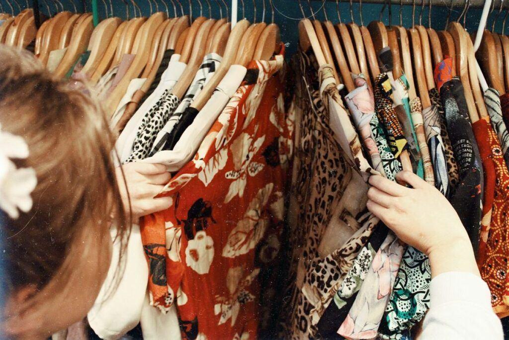 Sukienki dla mamy panny młodej