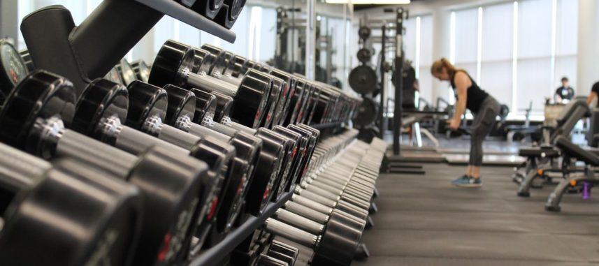 Jak ćwiczyć na siłowni, aby osiągnąć swój cel?