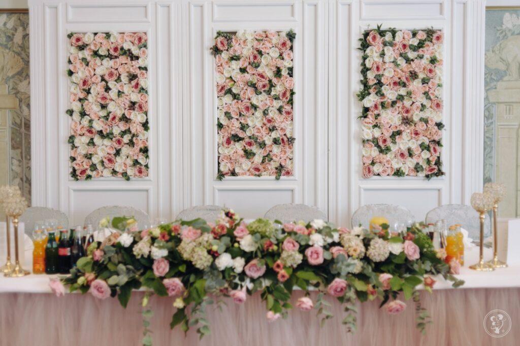 Ściana z kwiatów