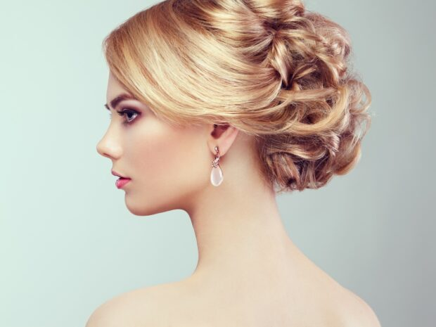 Wysoki kok – klasyka fryzur ślubnych (i nie tylko!) wraca w odświeżonej formie!
