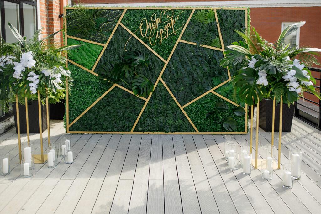 Ścianka weselna w stylu tropikalnym