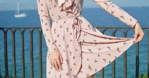 Rozkloszowana sukienka na wesele - baw się dobrze i wyglądaj świetnie!