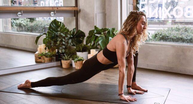 Najlepsze ćwiczenia dla kobiet na smukłe i silne ciało!